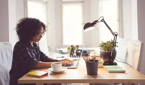 病疫情暴发,但科技有限公司这种职工确实不可以在家工作