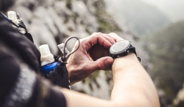 Garmin手表成战斗飞行救命警示工具,美国航母飞行员将配戴使用