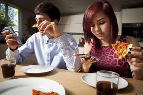 400余大学生参与实验:你知道玩手机有多累人吗?