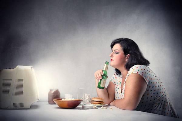 科学家给过胖者植入脑芯片:想吃东西就电击你