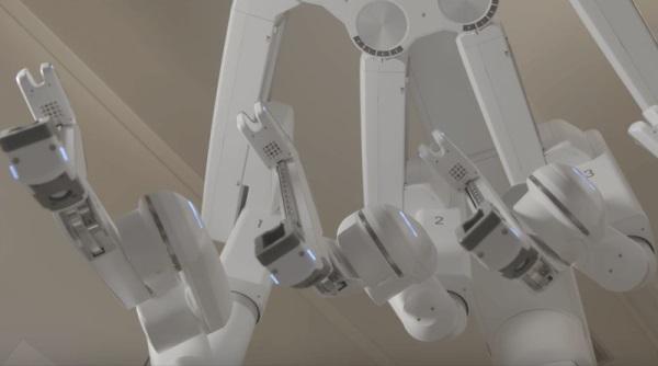 两年半完成2500台手术!日内瓦「铁人」医生破欧洲记录