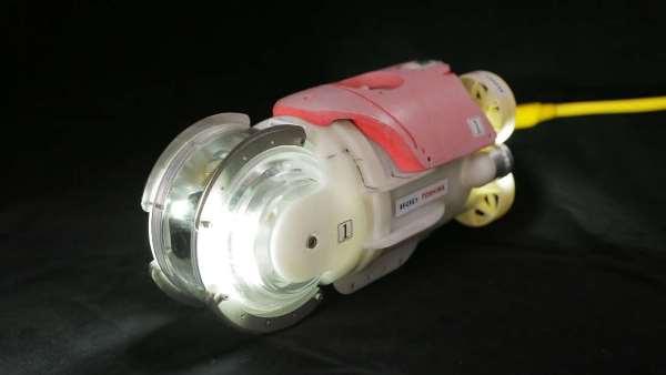 能测量辐射的游泳机器人2017年7月探勘日本福岛核电厂淹没区