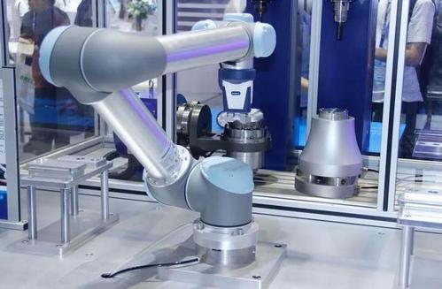 优傲机器人:销售市场局势模糊不清,加工制造业该怎样解决?