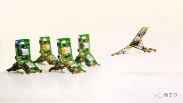仿生蚂蚁机器人:分工协力搬重物,跳高跨栏都能行