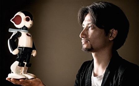 高桥智隆和他的机器人