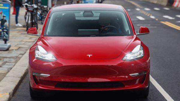 中国制特斯拉 Model 3 连 Autopilot 正式开始预订