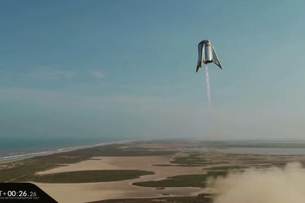 """星际飞船原型第二次""""跳跃""""测试 升空150米悬停1分钟"""