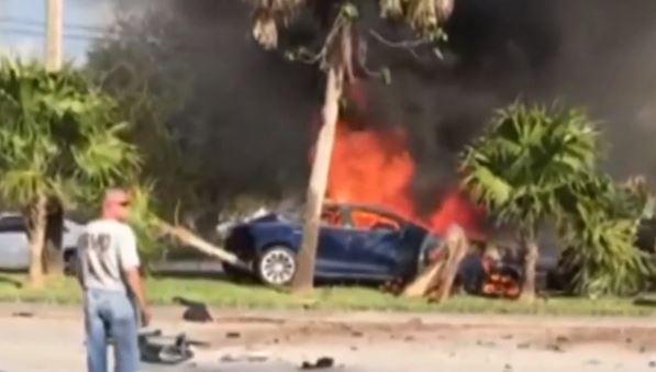 特斯拉又遇致命车祸:车主烧伤无法辨认 事故后电池复燃