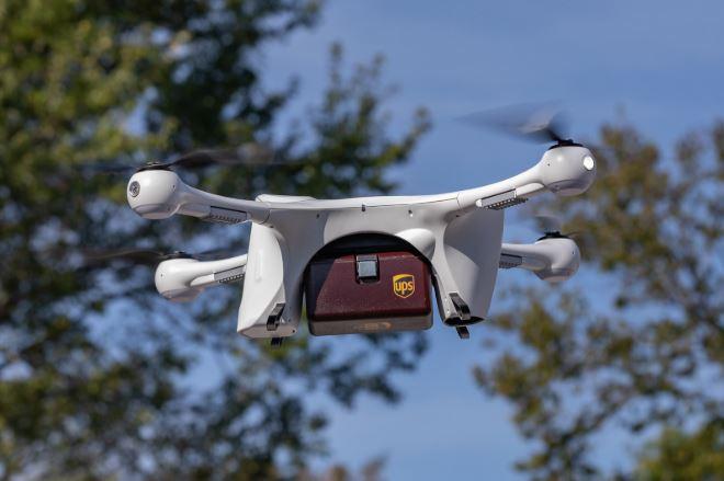 美国药妆店试行无人机运输,最快 5 分钟到达目的地