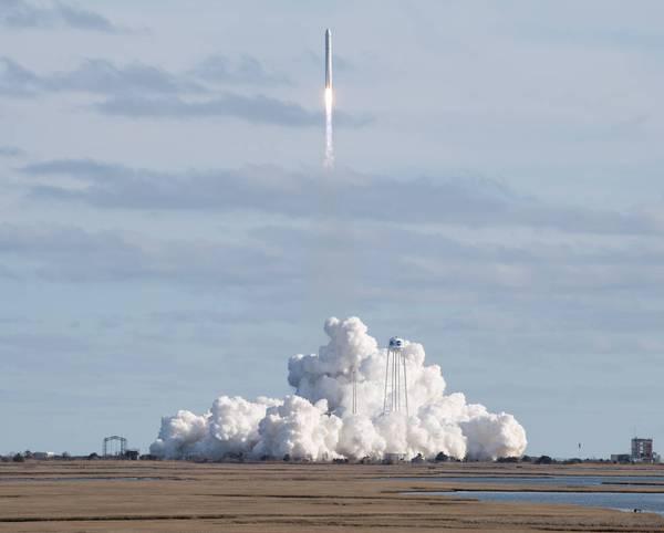 """天鹅座宇宙飞船实行第13次外太空货运,超3吨""""快递公司""""寄往太空站"""